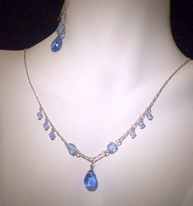 Order your jewelry set in the crystal colors of your choice!