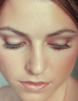 Wedding Day Drugstore Makeup : Why have a natural makeup on your wedding day ...