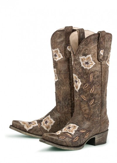 Western Style Wedding Dresses on Rustic Flair  Western Wedding Boots