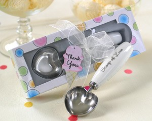 Scoop of Love Heart-Shaped Ice Cream Scoop in Parlor Gift Box
