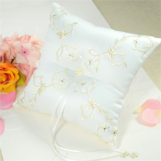 Sparkling Entwined Vines Ring Bearer Pillow