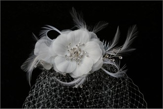 En Vogue Bridal Birdcage Veil with Flower Comb VF101
