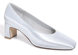 Iliana Bridal Shoes by Dyeables Size 6 Wide in White