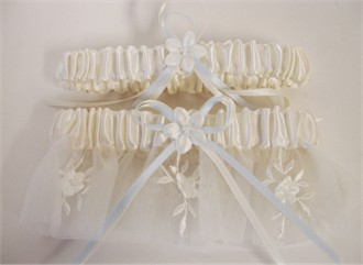 Italian Floral Vine Garter