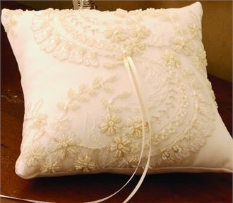 Beverly Clark Victorian Ring Pillow