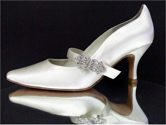 Virtue Wedding Shoes by Angela Nuran
